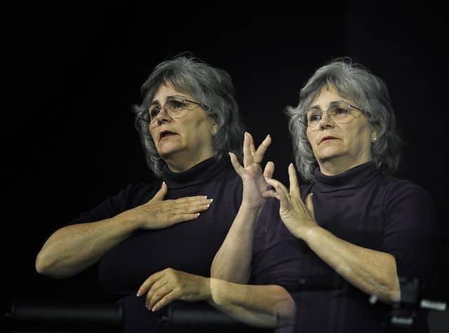 sign-language-98