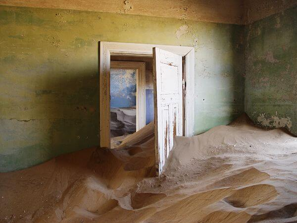 10-surreal-and-strange-abandoned-places-in-the-world