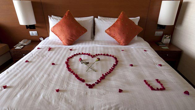 how-to-impress-girlfriend-valentines-day-23
