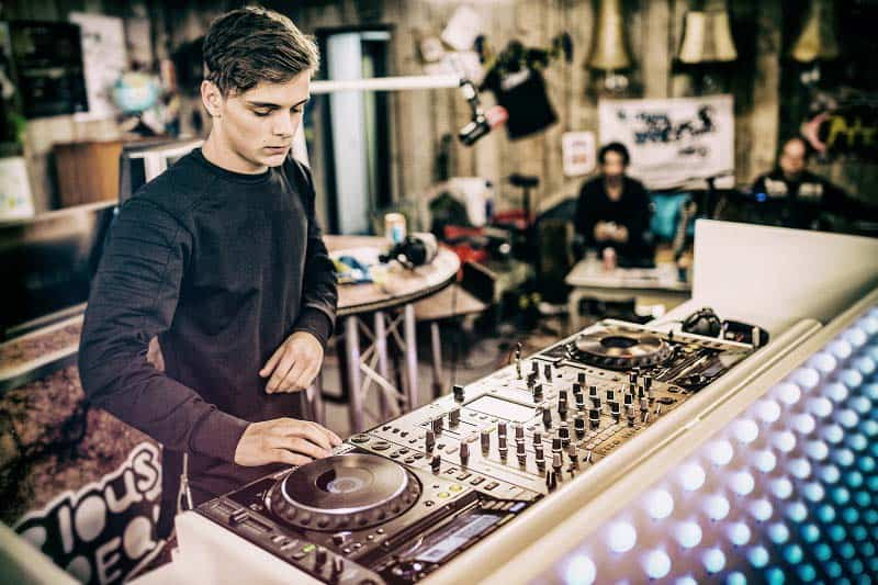 The Top 25 Best and Most Popular DJs In The World