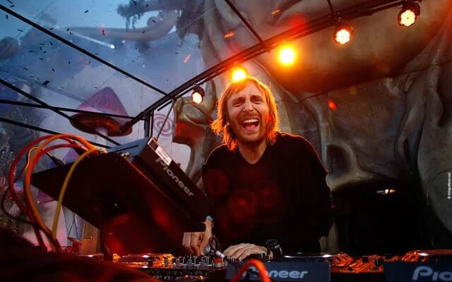 most-talented-djs-in-the-world-19