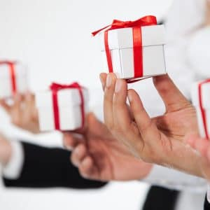 5 Reasons You Need to Practice Corporate Gifting in Your Workplace