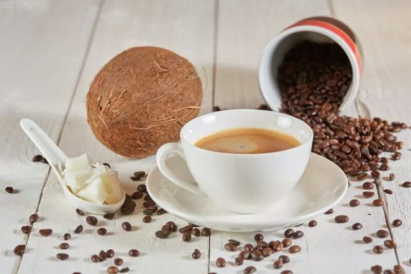 health benefits of adding coconut in coffee