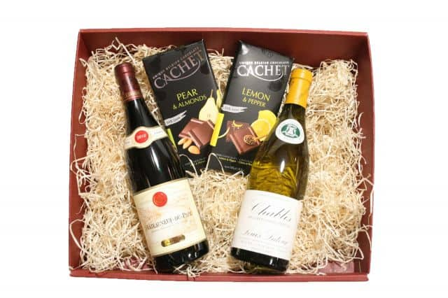 Top 5 creative gifts ideas which will go perfect with wine