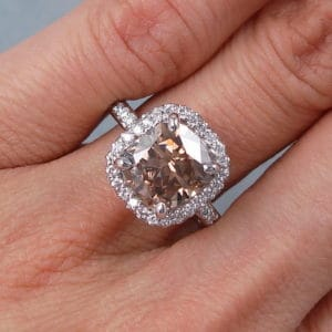 How to Select a Cushion Cut Diamond Engagement Ring Online