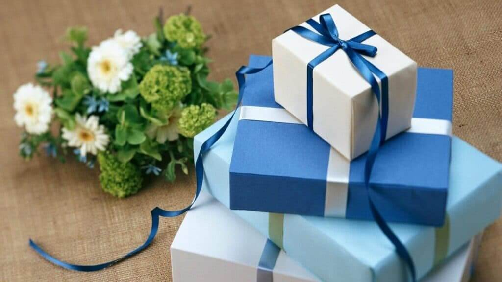 How to ask Your Guests To Donate Your Wedding Gifts To a Charity