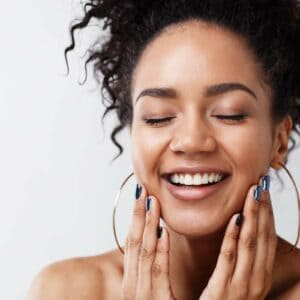6 Easy Ways to Keep Your Skin Young and Glow