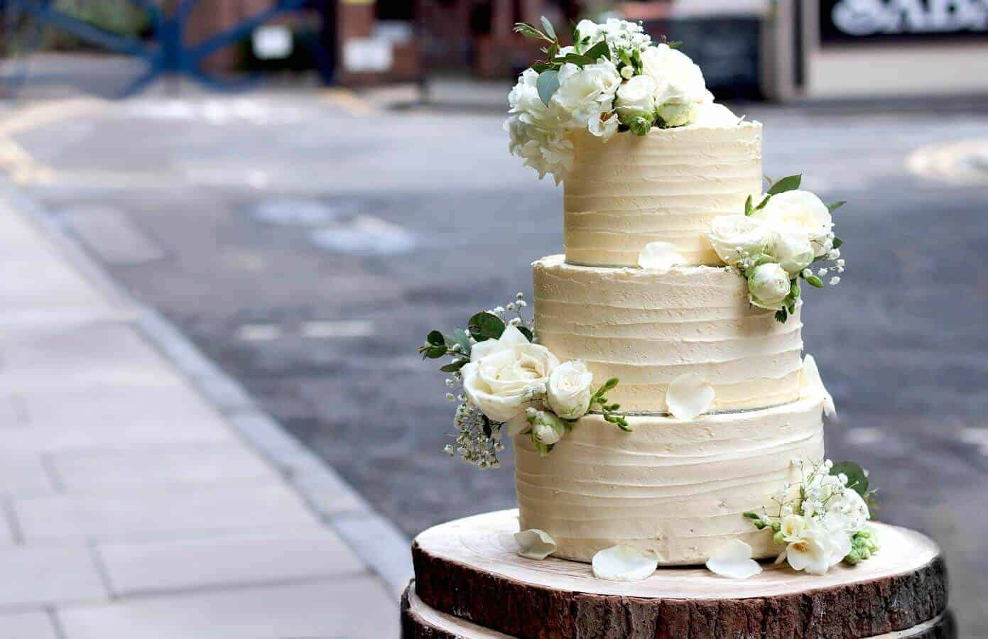 6 Celebrity Wedding Cakes Which Makes You Love The Cakes More
