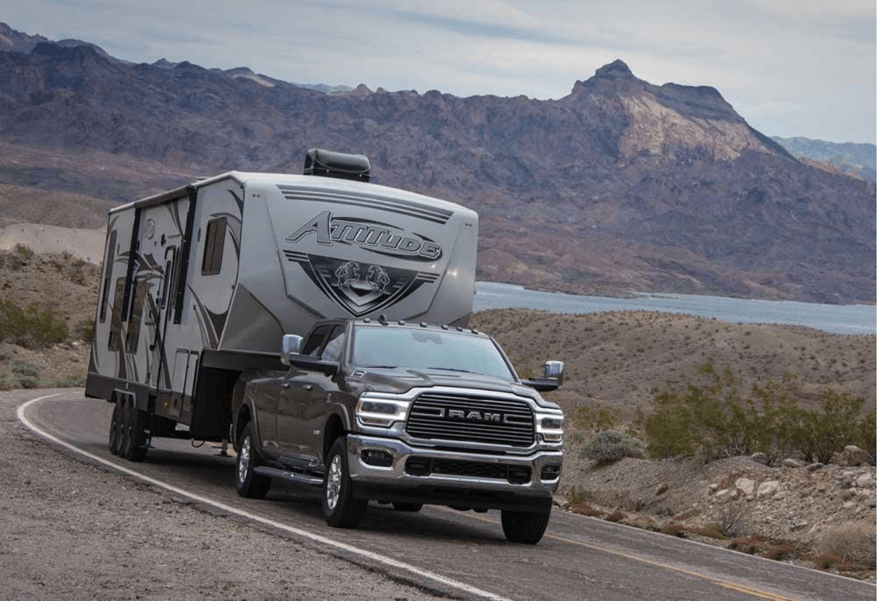 RV Fifth Wheel Trailer Towing Tips