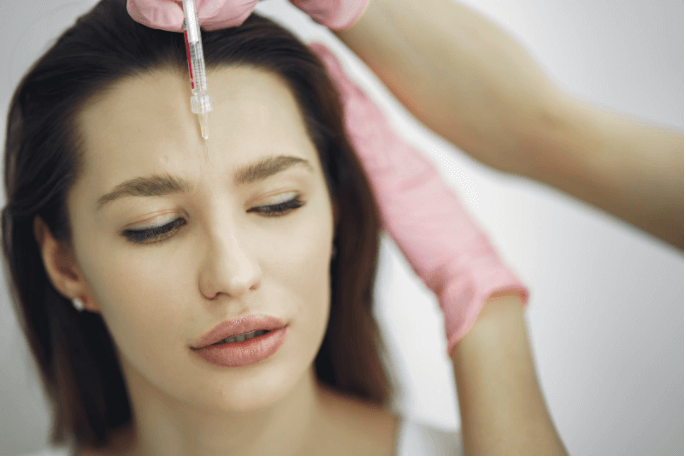 Considering A Facelift? Know These 6 Things Before You See A Surgeon