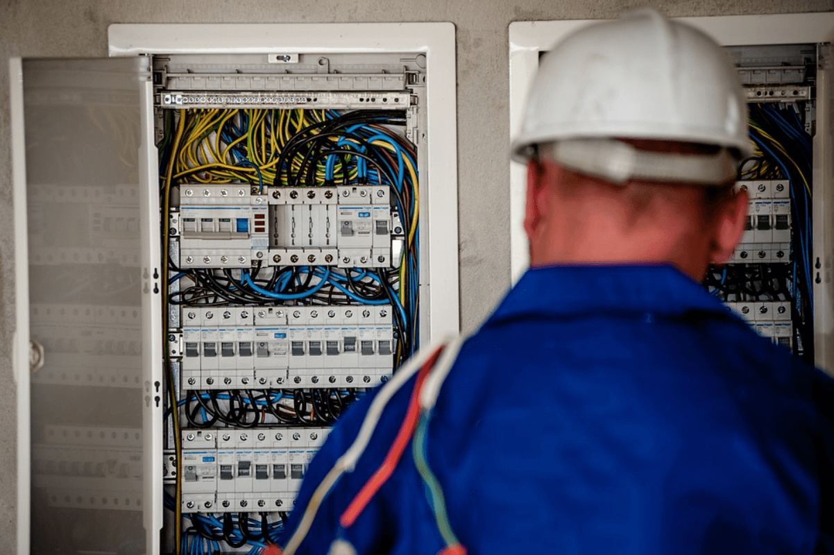 How To Make Sure The Electrician Is Reliable And Can Be Trusted